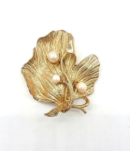 Lisner brooch