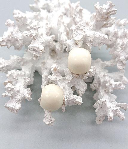 Classic summer earrings