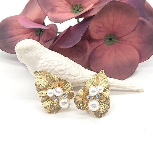 Vintage style leaf earrings