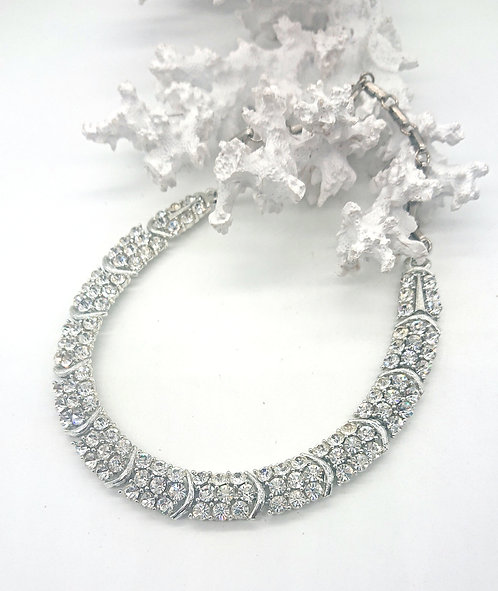 Lisner crystal clear collar