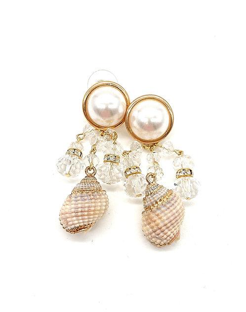 Shell dangling earrings