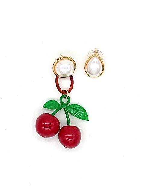 Cherry 🍒 dangling earrings
