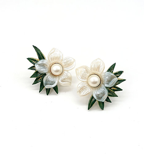 Vintage clipons with bamboo leaf