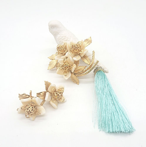 Corocraft flower brooch