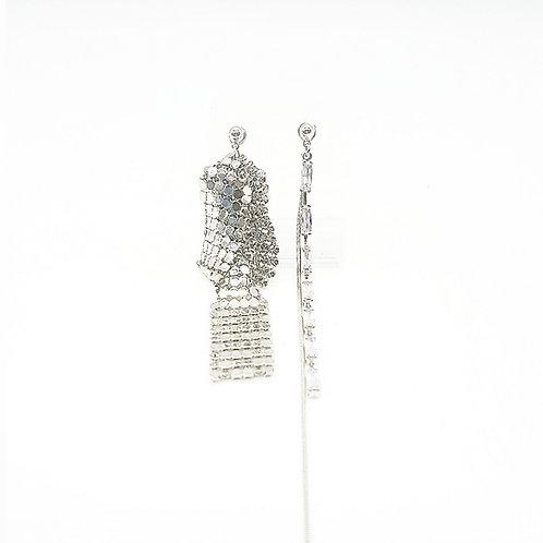 Asymmetric dangling earrings