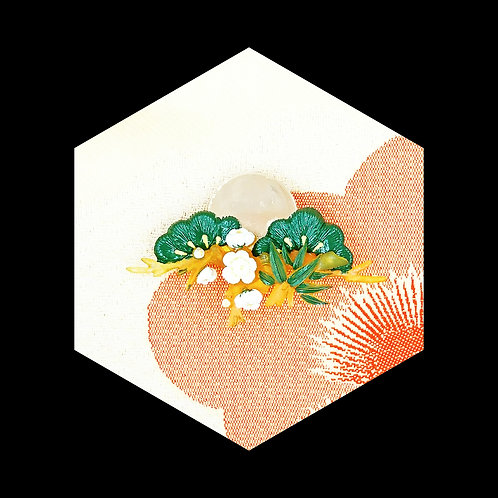 Kyoto pine with flower pin