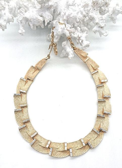 Unique Lisner collar