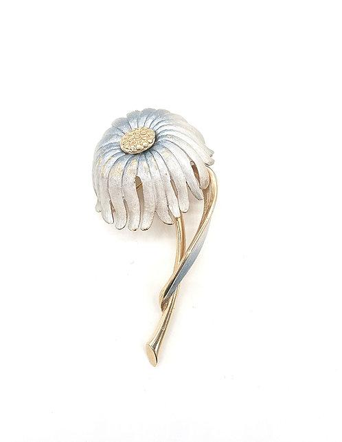 Kramer flower brooch