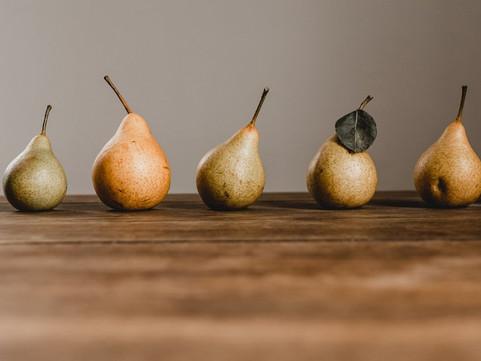 Диетолог сообщила о пользе яблок и груш для похудения