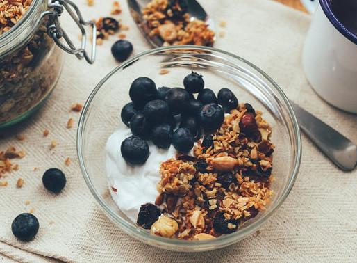Диетолог рассказала о полезном завтраке для школьника