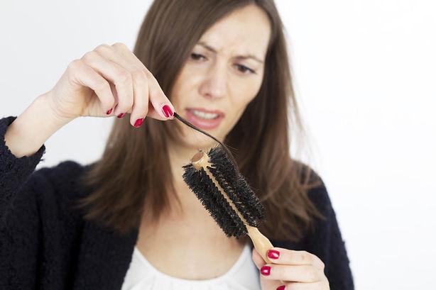 perdita capelli trattamento anticaduta
