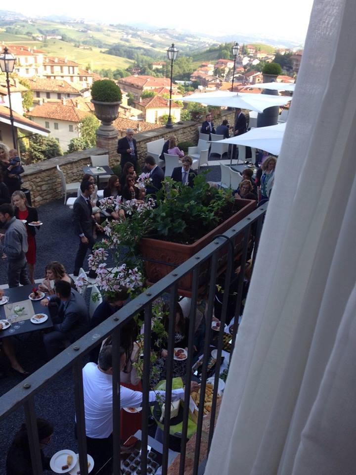 terrazza con ospiti