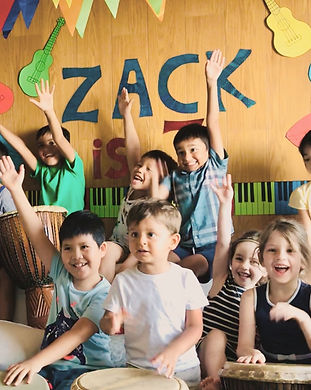 Kidz Jam is one of the BEST children's parties in town! Drum Jam Hong Kong's African drummers create a warm, African village-like atomosphere where children of all ages and levels of development can thrive.