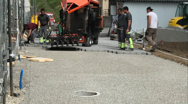 Maschinelles verlegen von Betonpflasters