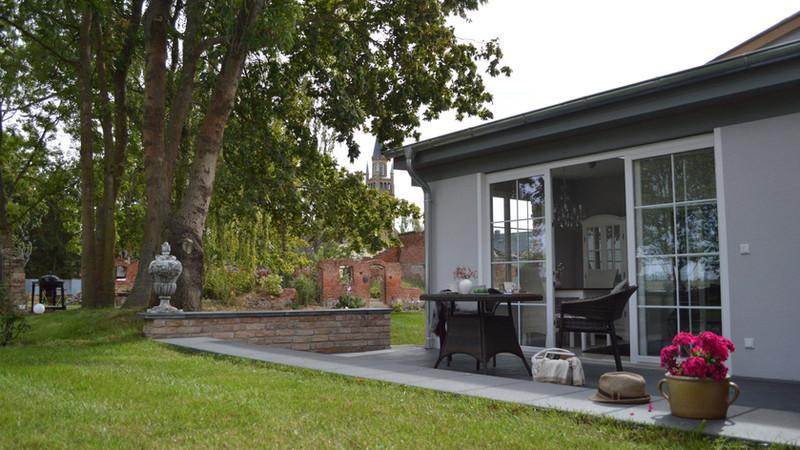 Die Gästeterrasse - das Wohnzimmer im Freien