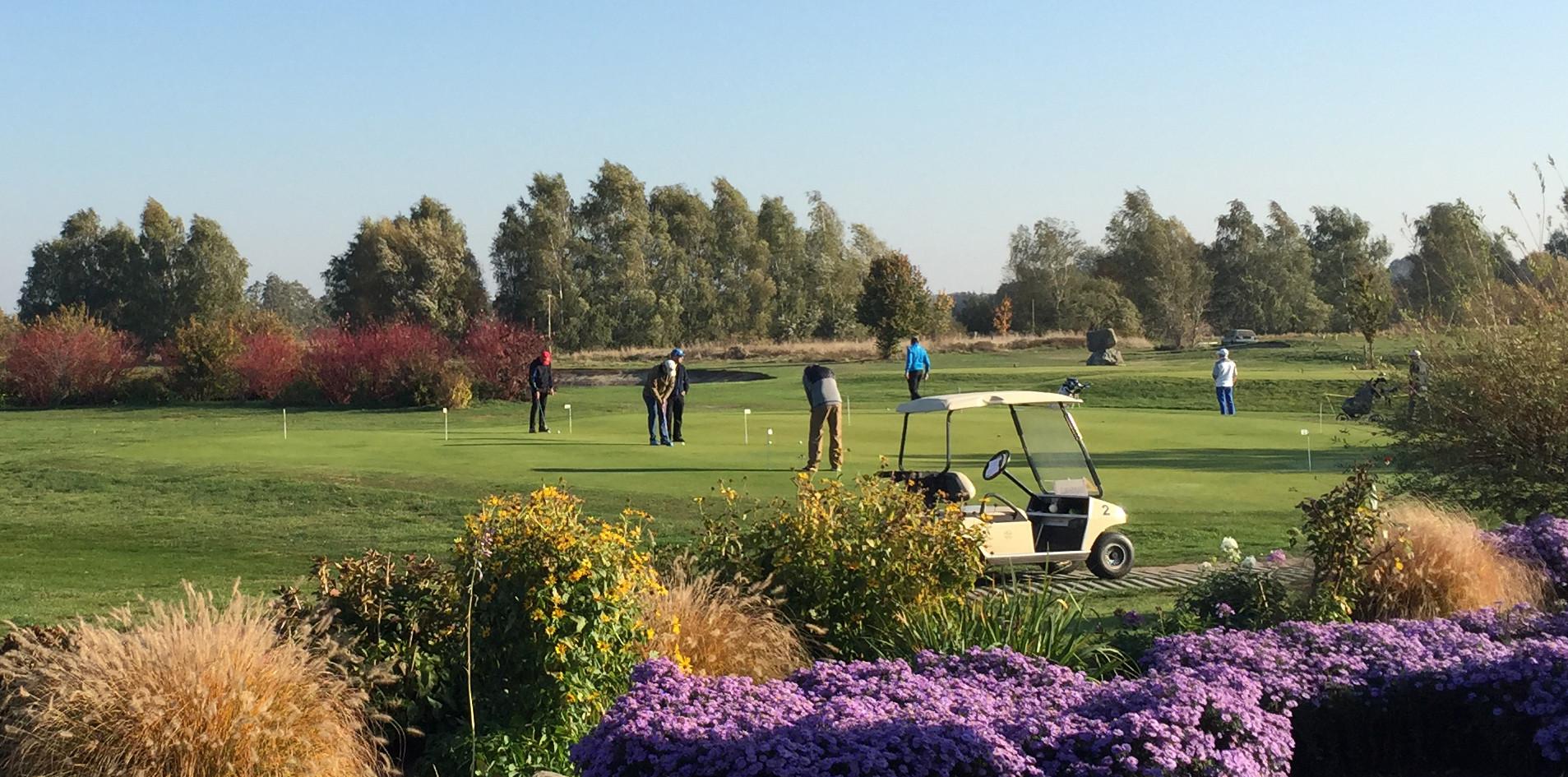 Golfspielen im idyllischen Rhinluch