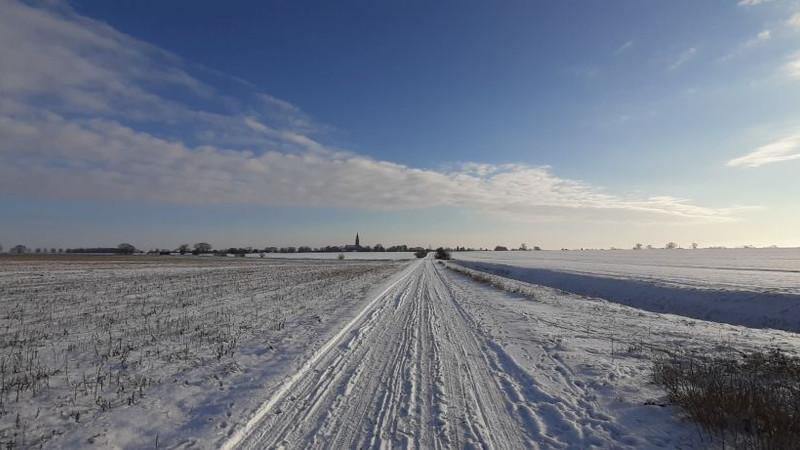 Winterlandschaft mit Blick auf Langen