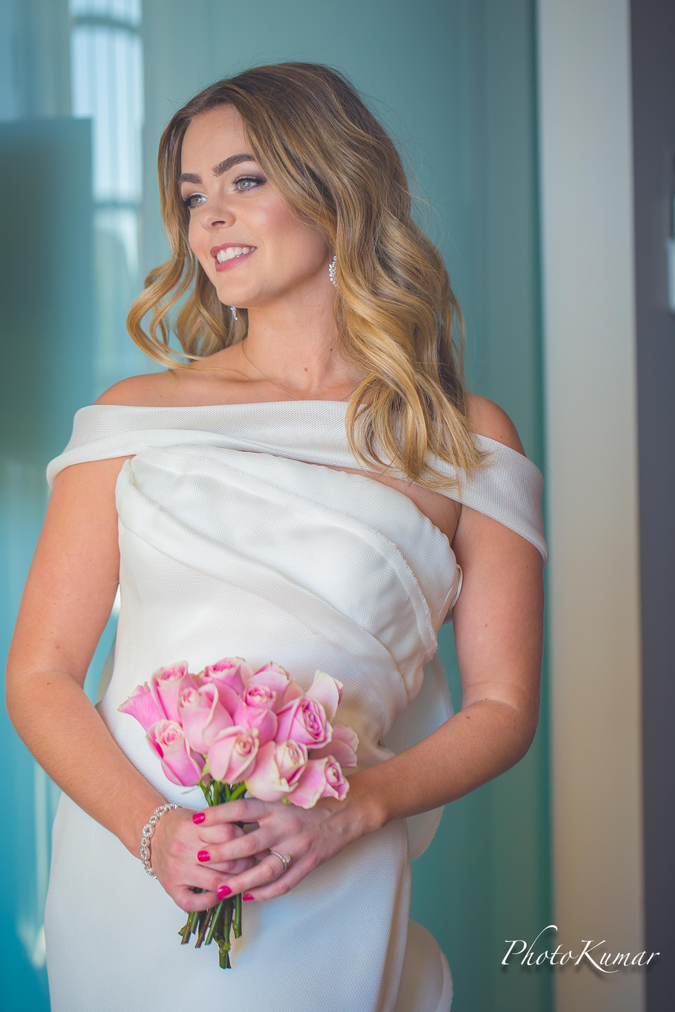 Beautiful bridal portraits with flowers