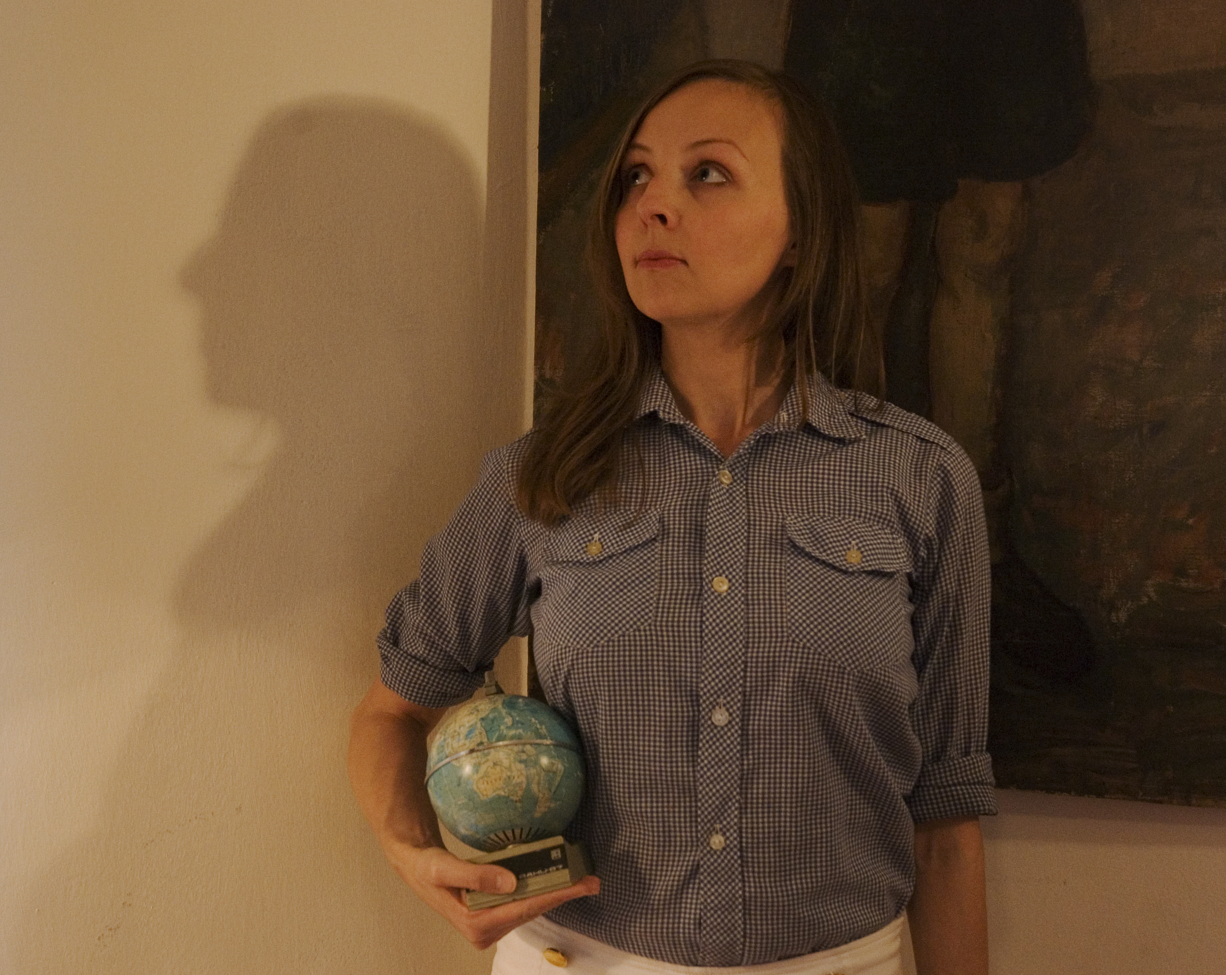 Sonja Vectomov with Globe