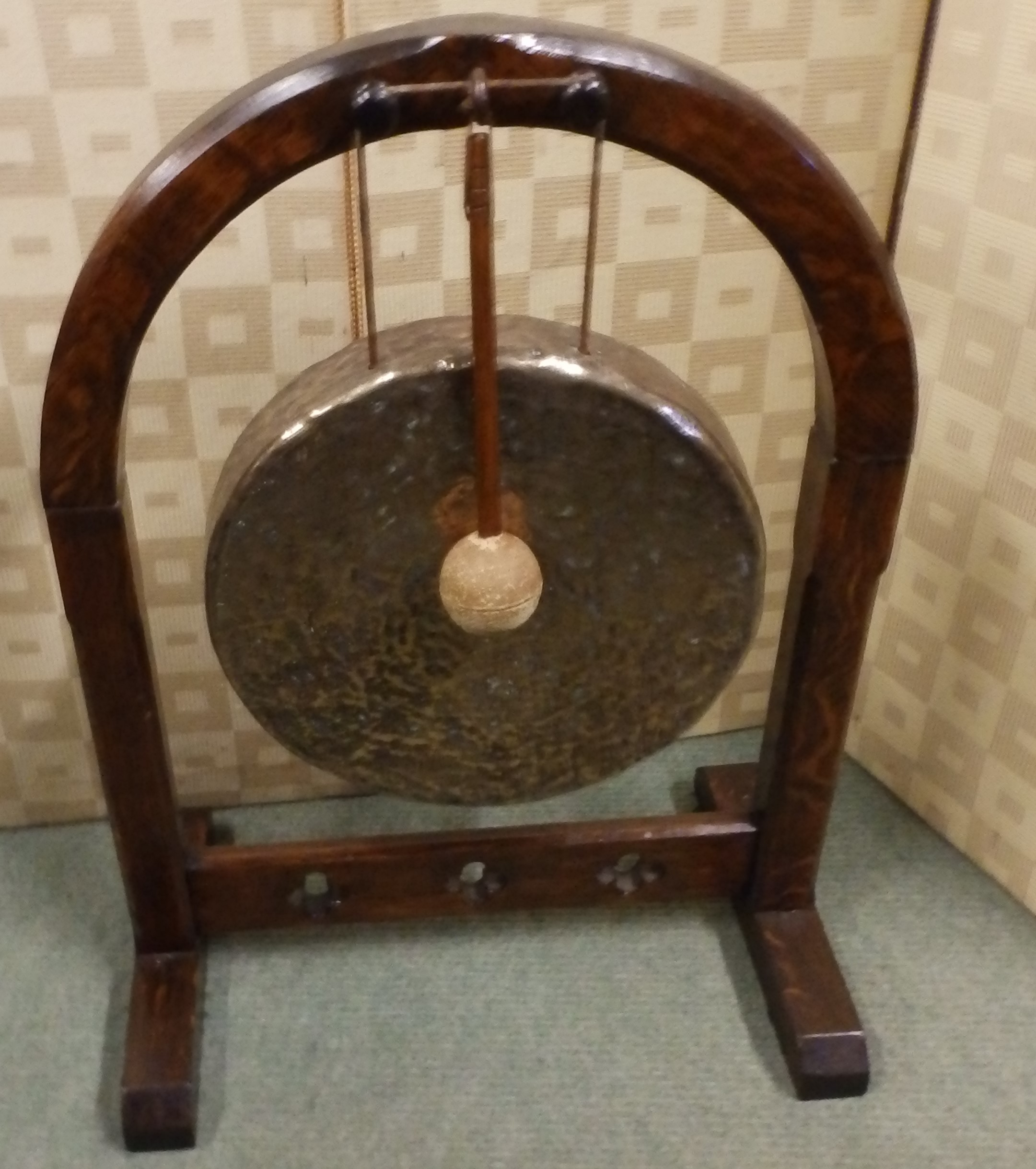 Gothic gong