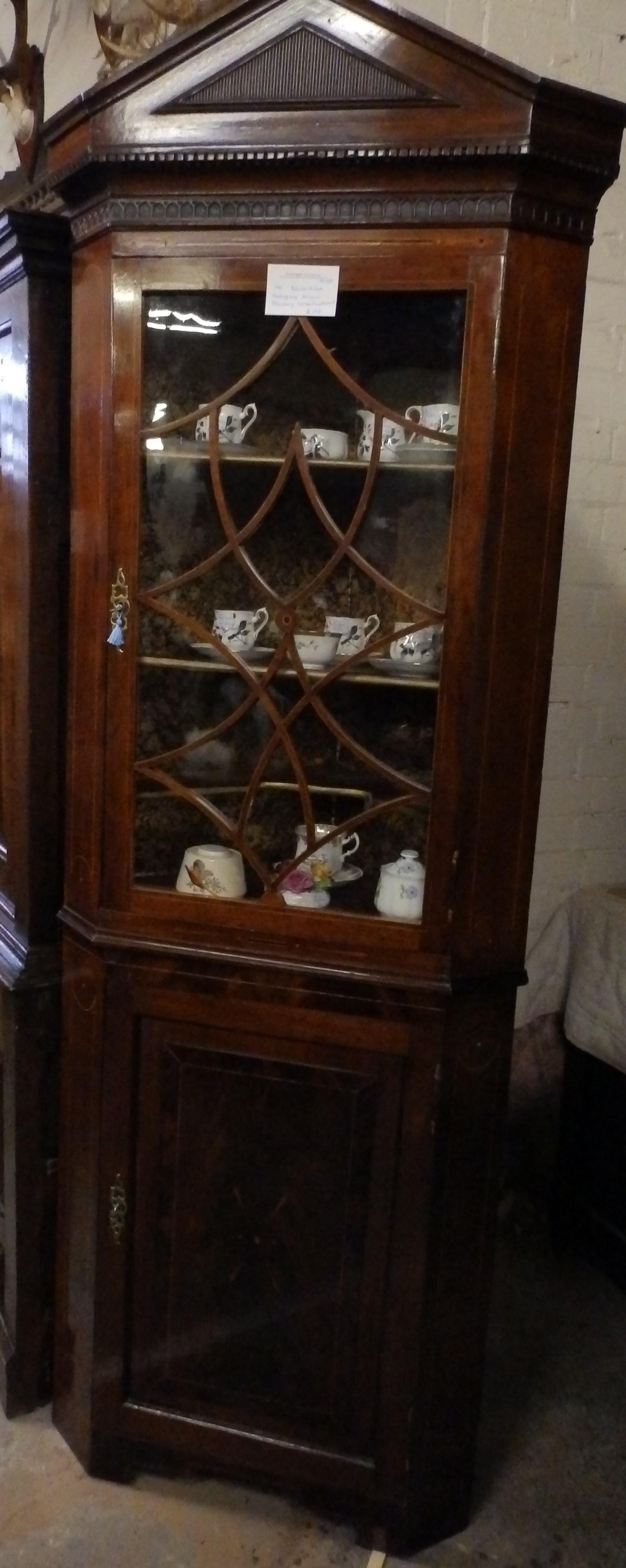 Edwardian corner display