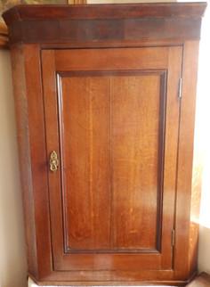 1800s corner/cupboard