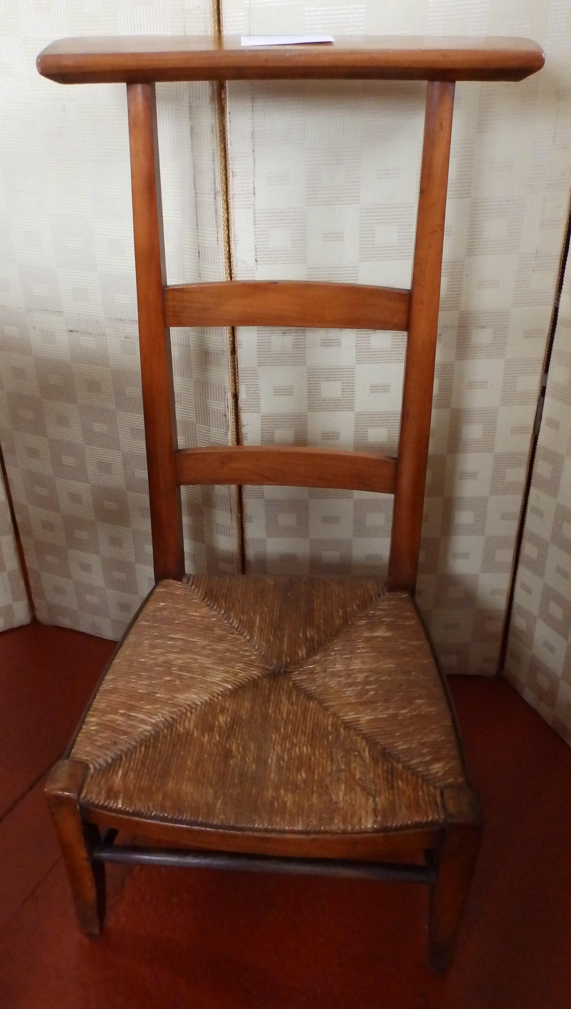 French prayer chair