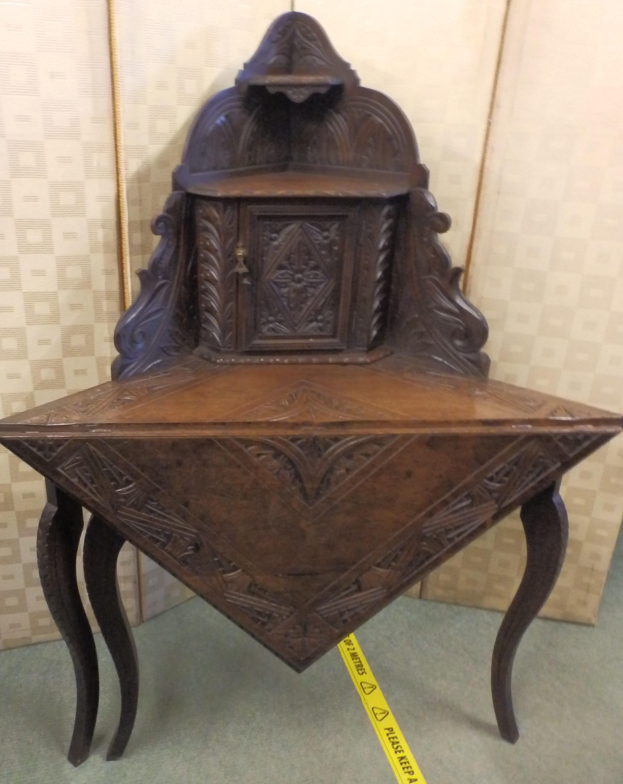victorian corner table