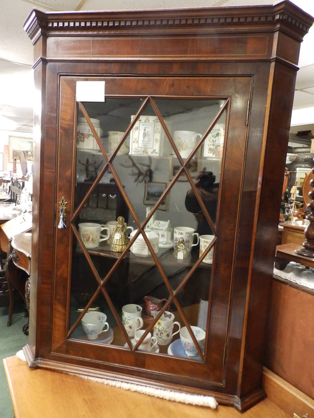 Victorian corner/cupboard