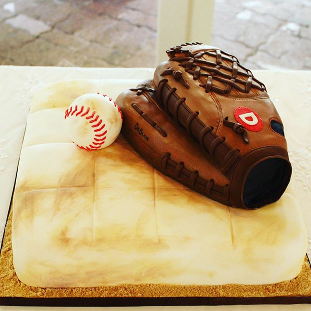Mitt and Ball groom's cake