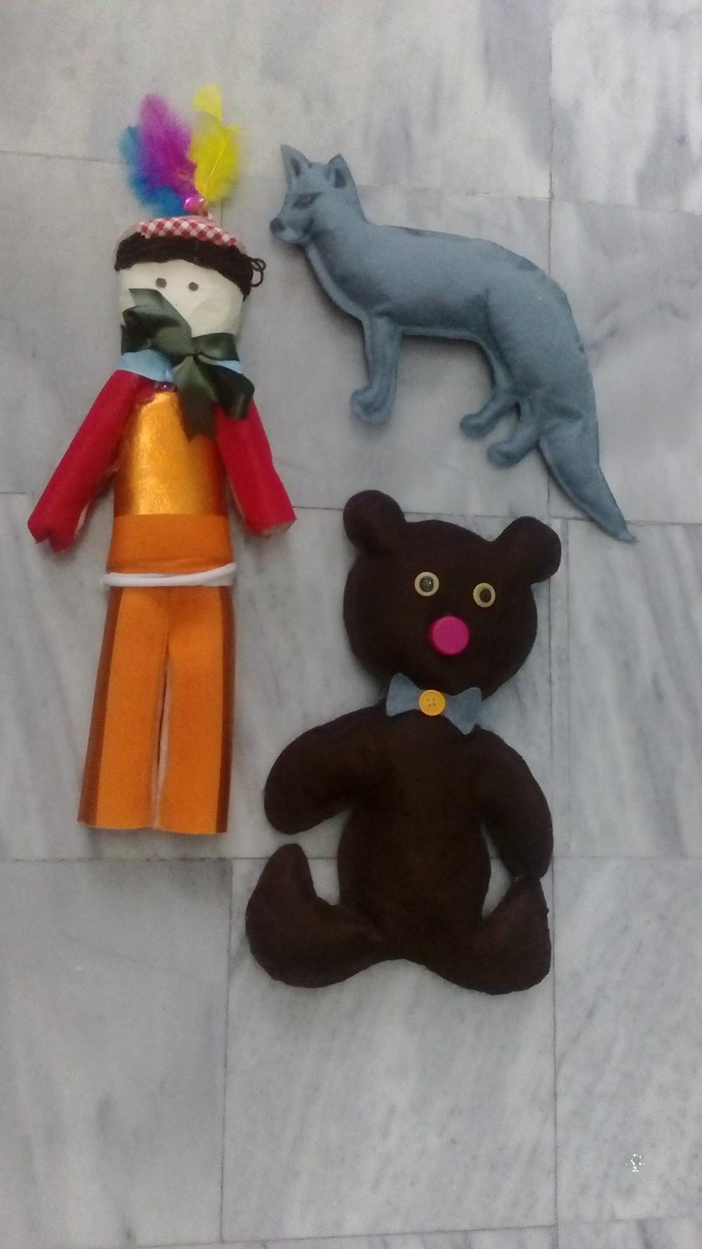 """κούκλες Φιλανδικού παραμυθιού """"How the bear lost its tail"""""""