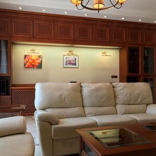 Вид вітальні з боку телевізора