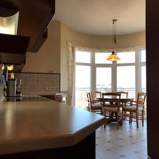 Длина рабочей поверхости кухни - 4м