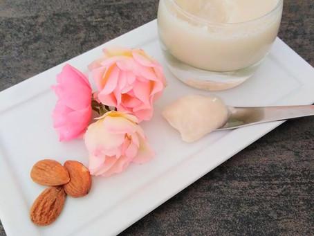 Panna cotta au lait d'amandes et à l'eau de rose