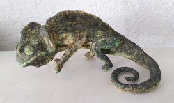 Chameleon sculpture by Sylvia