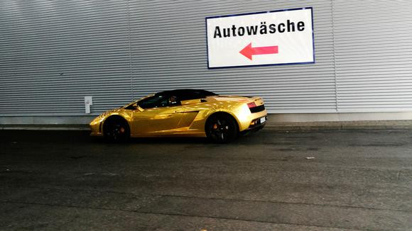 Stolz oder Scham? Ferrari oder Weltrettung?