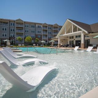 Pool-Sun Deck