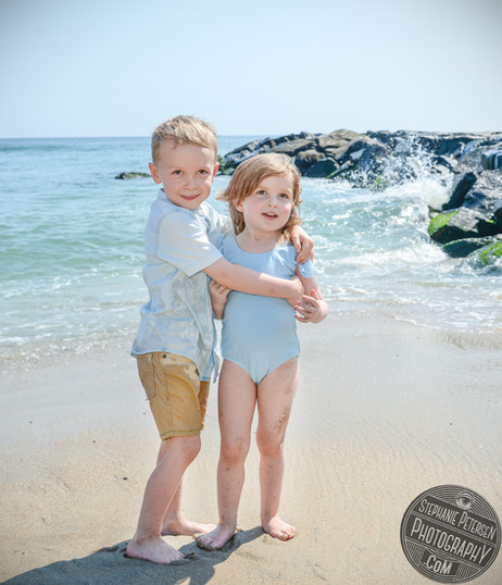 Sibling portraits on the beach!