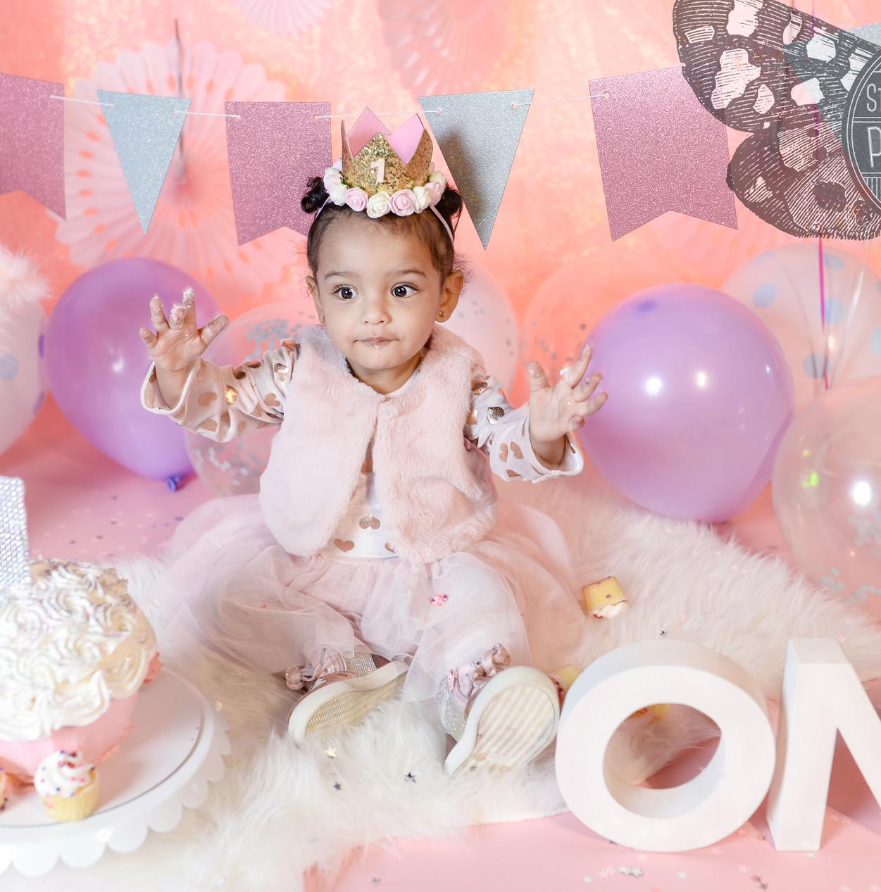 Baby's First Birthday Cake Smash Photo S