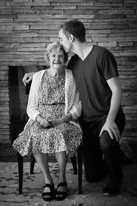 Pasadena Photographer capturing special moments between loved ones
