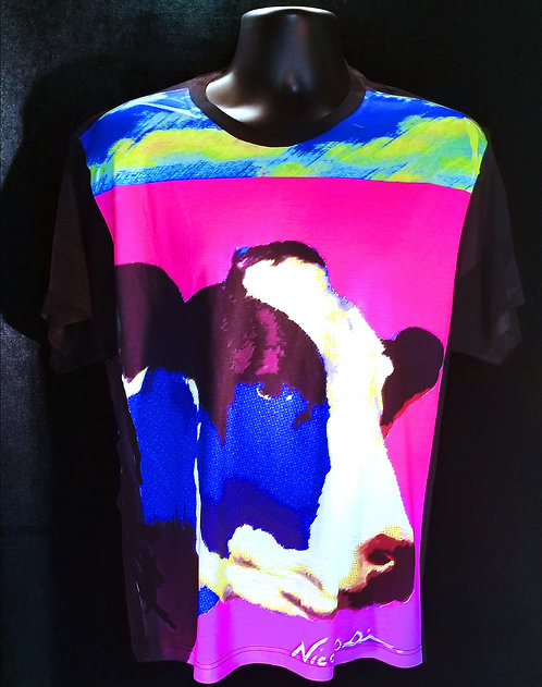 """Nicolosi Wearable Art - """"Sweet Home Chicago""""  Mrs. O'Leary's Cow - Urban """"T"""