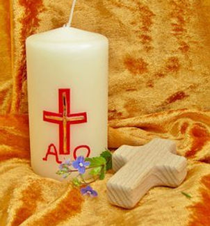 easter-candle-6082061__340.jpg