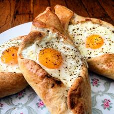 Georgian Khachopuri with cheese & egg