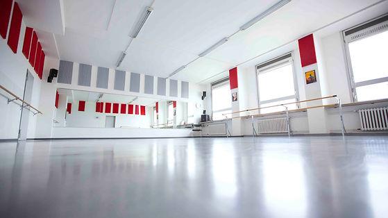 Tanzschule_-_Raeumlichkeiten_-_Raum_1_-_