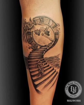 Broken Clock tattoo | La Nina Tattoos | Best tattoo studio in ahmedabad| Best tattoo artist | Gujarat | India