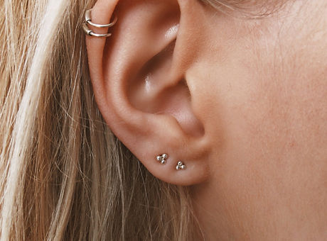 cartiliage-piercing-ear-la-nina-tattoo ahmedabad gujarat india, tattoo, piercing; ear piercings; nose piercing; nose ring; gold nose ring; helix piercing; septum piercing; tragus piercing; tragus; industrial piercing; piercing near me; belly button piercing; tongue piercing; cartilage piercing; ear piercing near me; lip piercing; nose piercing near me; navel piercing; belly piercing; body jewelry; piercing shop near me; belly button rings; eyebrow piercing; body piercing; nose studs; septum rings; belly ring; nose ring hoop; lip ring; diamond nose stud; baby ear piercing; piercing earrings; diamond nose ring; nose jewelry; navel ring; men ear piercing; silver nose ring; indian nose rings; gold nose stud; nose ring designs; tattoo and piercing shop; nose ring online; nose ring gold jewelry designs; bridal nose ring; stud nose ring; gold nose ring price; nose ring designs in gold for female; nose ring with chain; girls with nose rings; marathi nose ring; plain gold nose ring;