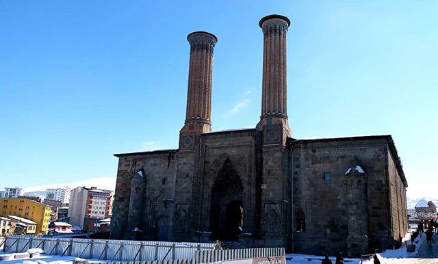 Çifte Minareli Medrese Erzurum...jpg