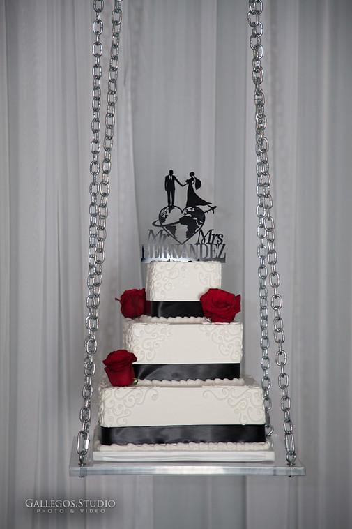 Cake Swing 1.jpg
