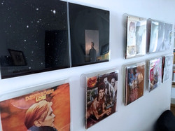 Best way to display Bowie