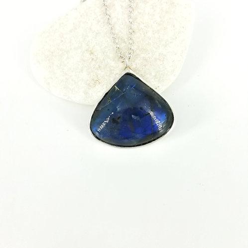 Silver chain & pendant with Labradorite